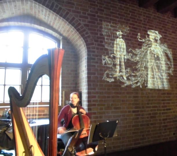 Duo mit Cello im gothischen Saal der Zitadelle Spandau- Stefanie beim Soundcheck