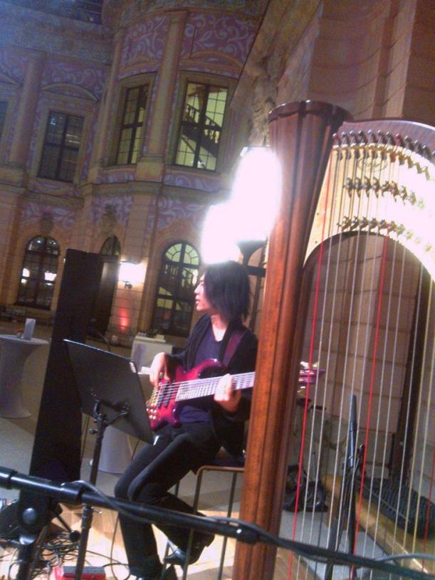 DEJANOVADUO : Shota beim Soundcheck im Schlütersaal