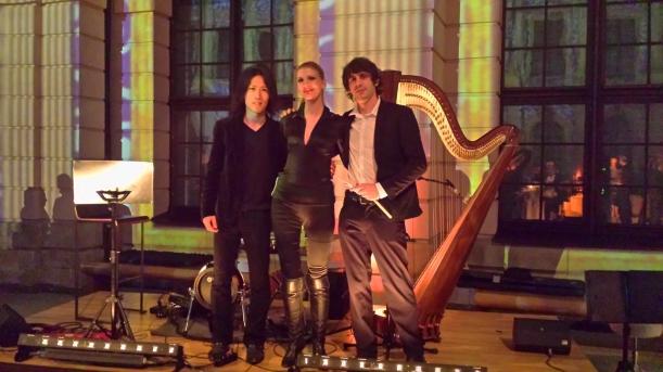 DEJANOVATRIO :Shota 7string Bass, Marco E-Drums und Simonetta Harfe  nach dem Auftritt im Schlütersaal des Deutschen Historischen Museums in Berlin