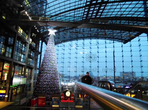 Hauptbahnhof schön geschmückt