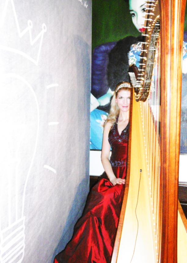 Harfe im China Club - Danke an Frau Kaiser für die Fotos!