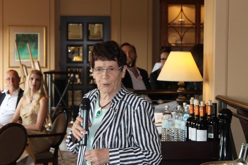 Prof.Dr. Rita Süßmuth bei ihrer bewegenden Rede