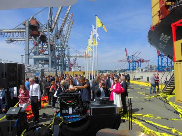 Presse, Gäste und eine Menge Wind am Hamburger Hafen