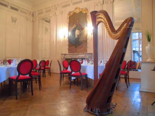 Harfe im Kaisersaal