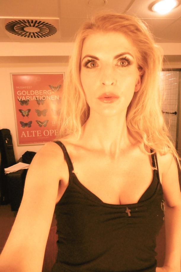 obligatorisches Hauptstadt-Harfen-Selfie in der Garderobe