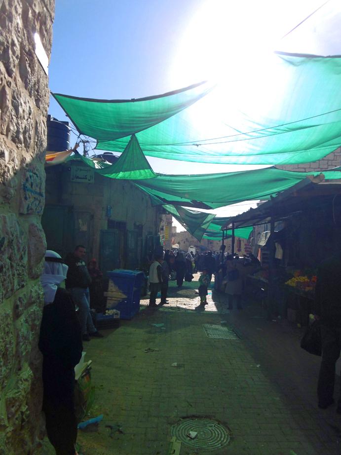Markt mit Sonnen-Segel