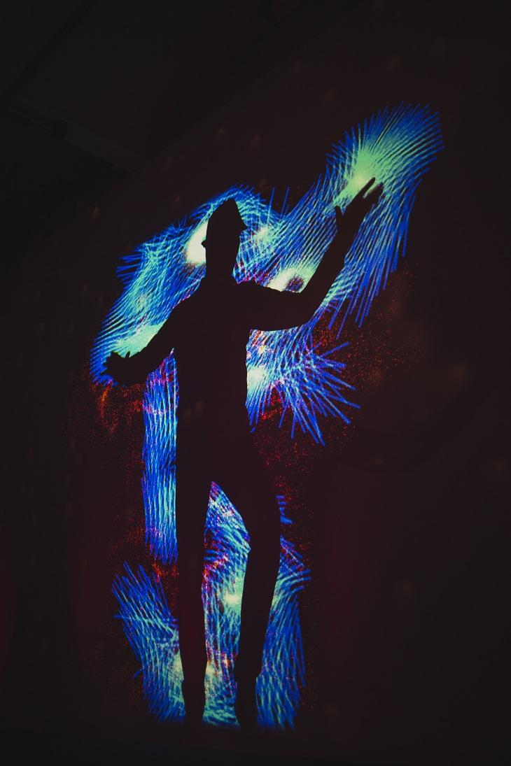 Tanz mit der Aura- Foto by Carolin-Weinkopf smaller