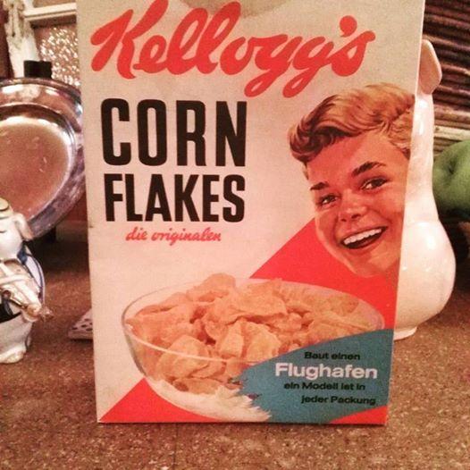 #BER sollte sich diese antike #Cornflakes - Packung zu Gemüt führen :-) :-)