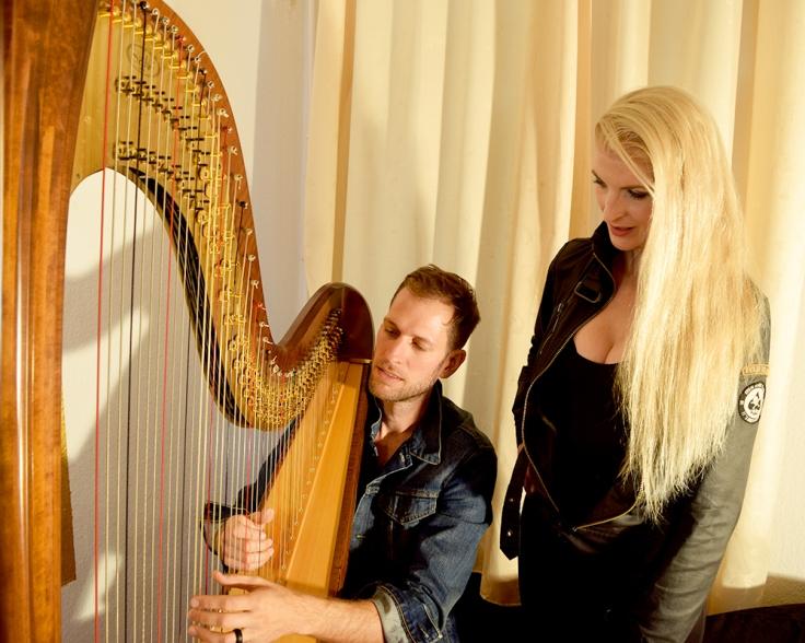 Livemusik ,harp singer , Eventmusik , Sommerfest Musik , Strandparty Musik , romantische Musik , Eventmusik , Livemusik , Gesang und Harfe , Crossovermusik , Band mit Harfe , Harfenistin, harfistin ,. Harfinistin . harpist, harpist berlin , harfe berlin , simonetta harfe, simonetta ginelli. dinnermusik , dinnermusic , harfenmusik buchen , livemusik buchen , klassikpop , eventmusic , popcover , harfenmusik modern, wukensee, badesee berlin , lake berlin, lake party, romantic music, harfenkonzert , harp concert