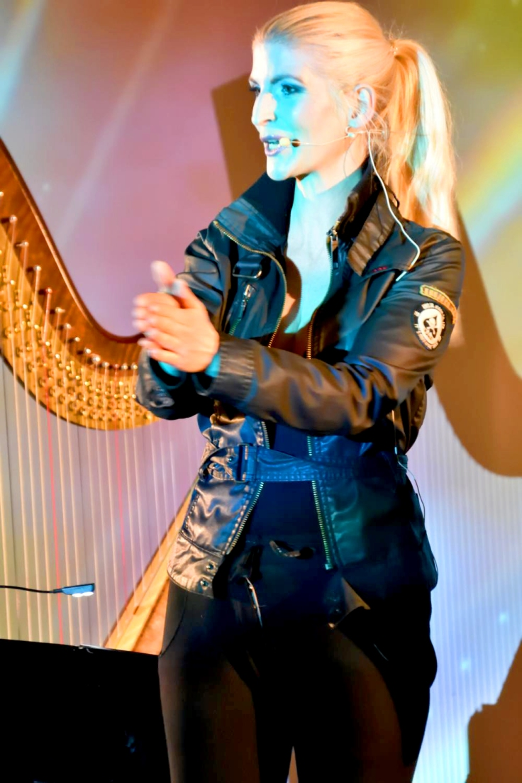 Preisverleihung, Eventtrio, Trio für Events, Kulturelle veranstaltung, Eventprofis, Eventtrio , Preisverleihung Musik, Award, Award Musik, award music, Harfe, Harfe Berlin, Harfenistin, Harfenistin Berlin, Harfinistin, Harfinistin Berlin, Harfistin, Harfistin Berlin, Harfenspielerin, Harfenspielerin Berlin, Live Musik, Livemusik, klassische Musik, Entertainment, musikalische Umrahmung, Event Musik, Eventmusik, Dinner Musik, Dinnermusik, Abendbegleitung, Abend Begleitung, Abend Musik, Empfangsmusik, Empfang Musik, Gala Musik, Galamusik, Highlight Musik, Highlightmusik, Trio, Harfe Trio, Jazztrio,Harfe Popmusik Musikerin, Musikerin Berlin, Musikerin Harfe, Musikerin Harfe Berlin,Crossover Musik, Crossovermusik, beste Musik, romantische Musik, Firmenfeier Musik, Weihnachstfeier planen, Weihnachstfeier Musik, Sylvester Musik, Neujahrsgala, Neujahrsgala Musik, Konzerthaus Berlin, Neujahrsempfang, Neujahrsempfang Musik, Harfe modern, Harfe Pop, Harfe Popmusik, Hochzeit Musik, Hochzeit planen, Luxus Event, Luxus Musik, Eventmusik luxus, exklusive Musik, exklusive Eventmusik, erstklassige Musik, erstklassige Dinnermusik, erstklassige Hintergrundmusik, Hintergrundmusik, Luxus Dinner, Privatfeier Musik, Firmenjubliäum Musik, Firmenjubiläum, Künstlervermittlung, Künstlerdienst, Eventmusiker, Tonstudio, Studiomusiker, Fairy, Highclass music, corporate event, harpist, classical harpist, Weihnachtsengel, Weihnachten Harfe, Weihnachstengel Musik, Neujahrsfeier Musik, Neujahrsgala Musik, Dinner music, dinnermusic, harpist berlin, best music, best harpist, Abendessen Begleitung, Abendessen Begleitung Musik, Abendessen Musik, Band für Dinner, Berlin, Berlin Harfe, beste coversongs, coversongs, Deja Nova trio, dinner music Berlin, musician Berlin, best musician berlin, event service, event Umrahmung, Moderation, Moderatorin, Moderatorin Berlin, Hafe, Hafe Berlin, Hafenistin, Hafenistin Berlin, Harfe Band, Band mit Harfe, harpcore, scharfe Harfe,harpplayer, Hochzeit, Luxus Begleitung, 