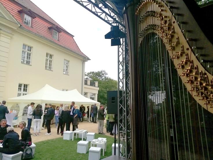 Harfe auf Schloß Gut Gollwitz Brandenburg